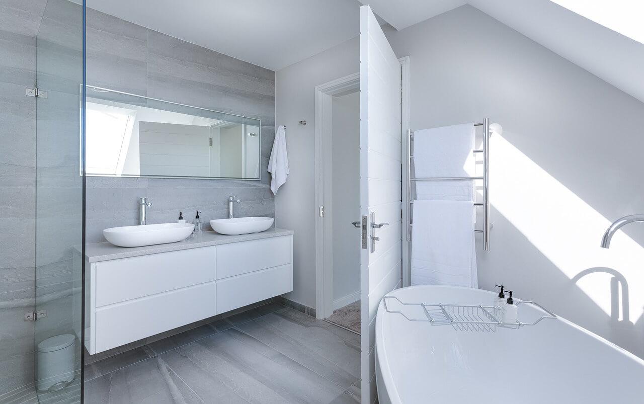 ruimte in de badkamer