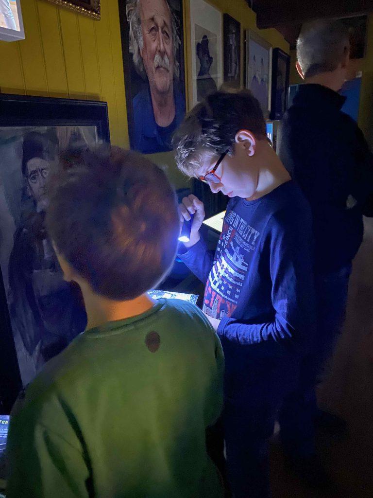 Familie tentoonstelling zee vol verhalen in het Zuiderzeemuseum