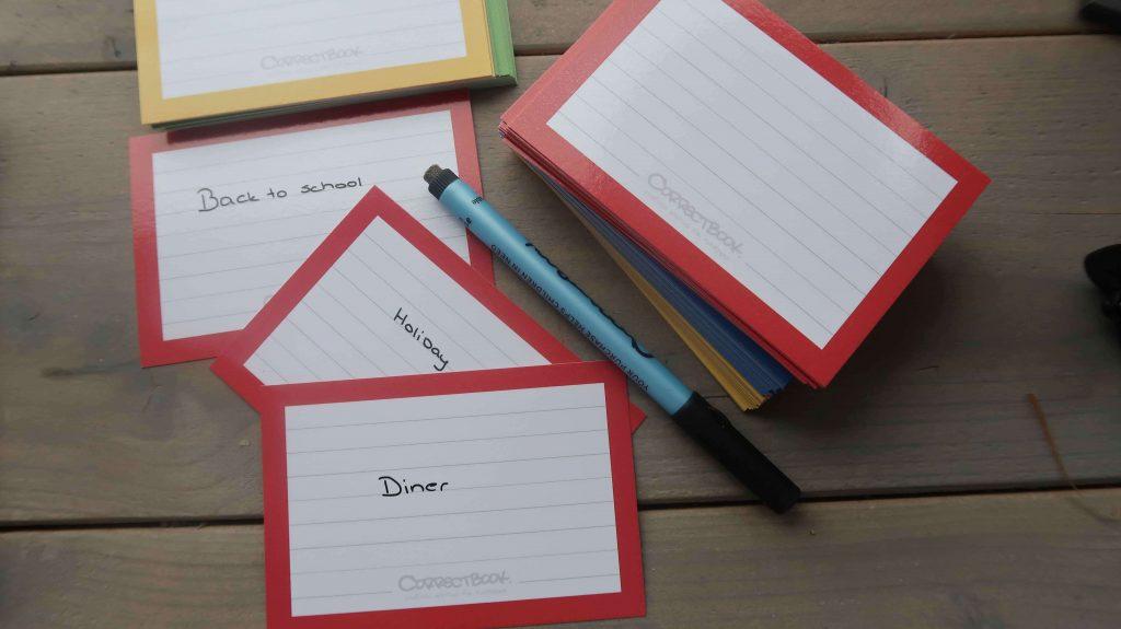 Uitwisbaar notitieboek en flashcards van Correctbook. Oneindig blijven schrijven