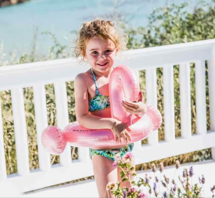 Zwembadspeelgoed en zwembanden - plezier en veiligheid in het zwembad