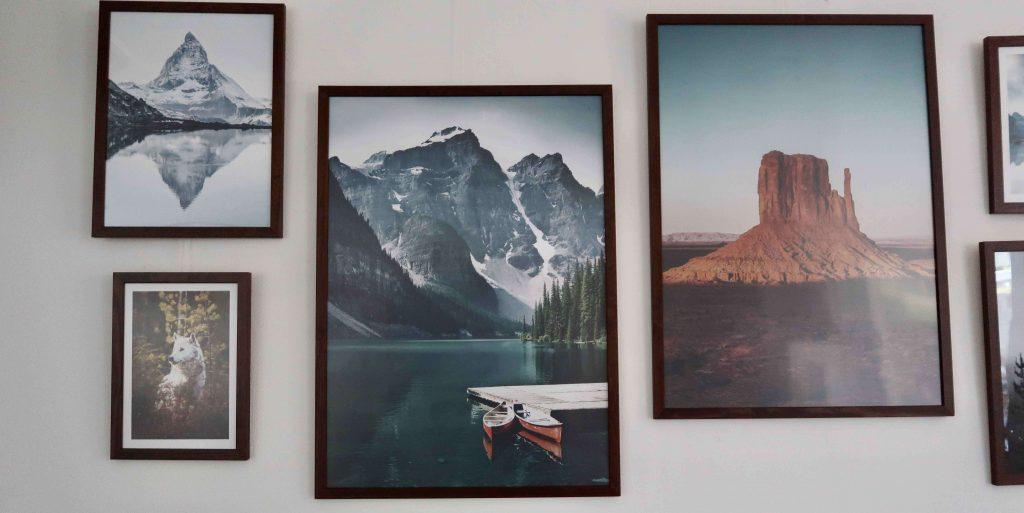 Een fotowand maak je met posters van Poster Store