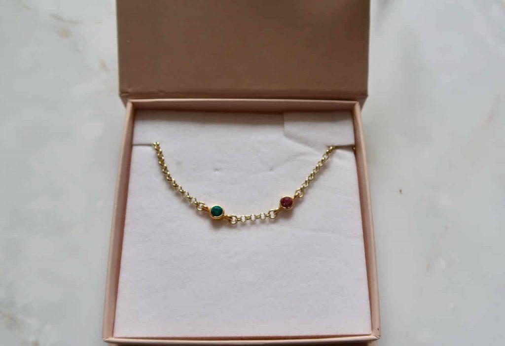 Betekenisvol cadeau- geef een geboortesteen armband